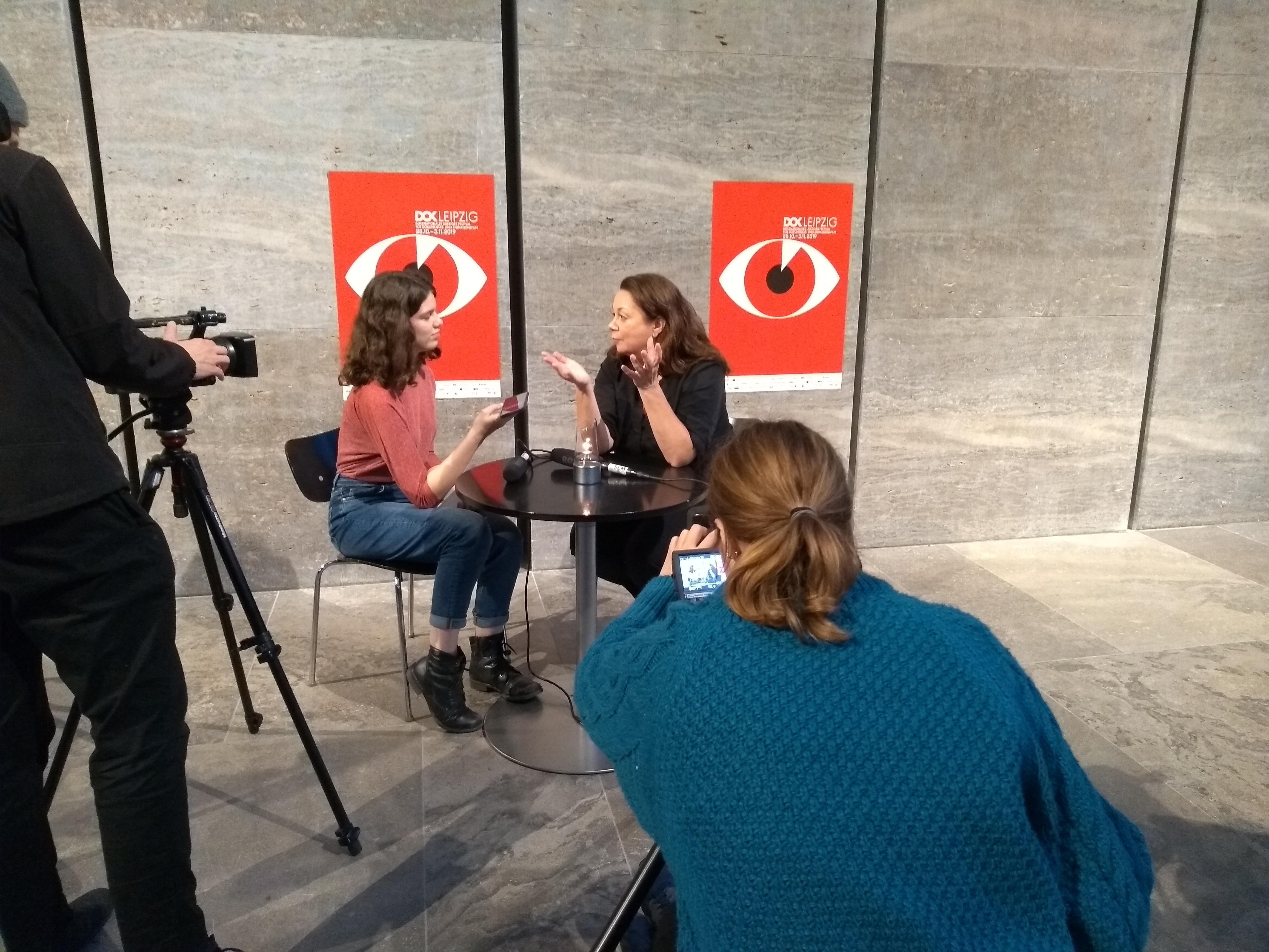 Die DOK Spotters interviewen Leena Pasanen
